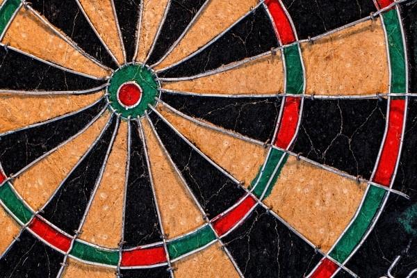 target-aim-dartboard-bullseye-darts-dart-goals